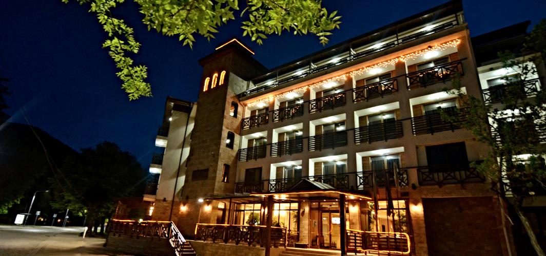 Хотел Клептуза - фасада