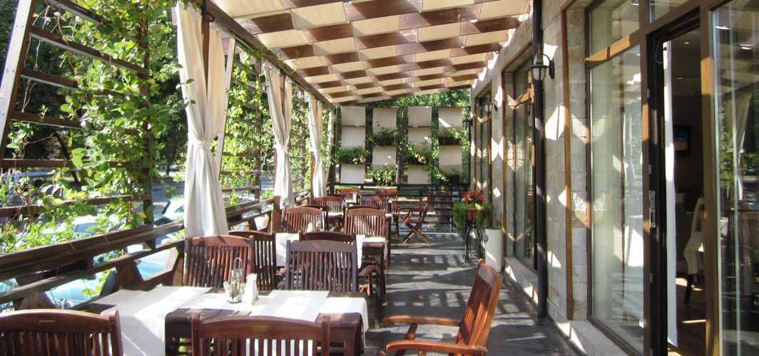 Спа Хотел Клептуза - ресторант тераса